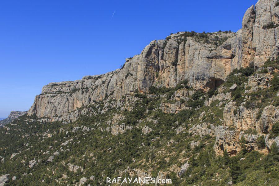 Ruta: Roca Corbatera (1.163 m.) y la Cogulla (1.062 m.) (Els 100 Cims)
