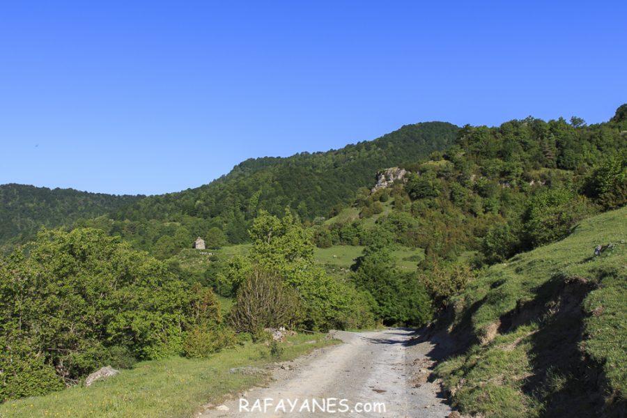 Ruta: Santa Magdalena de Cambrils ( 1.547 m.) (Els 100 Cims)