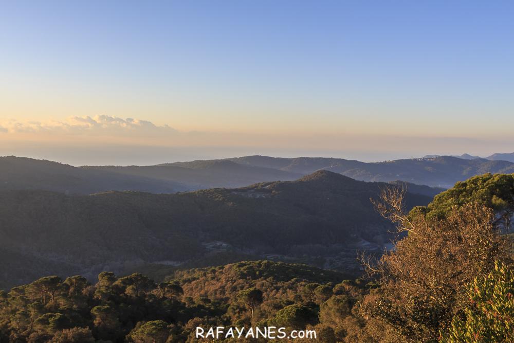 Ruta: Turó el Corredor (642 m.), Puig Aguilar (527 m.), Dolmén de Ca Arenes y Turó de la Pera (497 m.) (El Montnegre y El Corredor)
